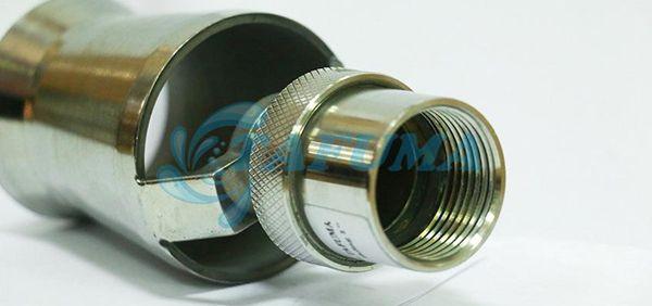 Chất liệu của vòi phun nước cây thông
