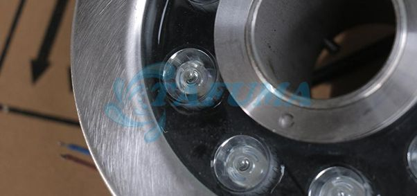 Chất liệu đèn led âm dưới nước TFI